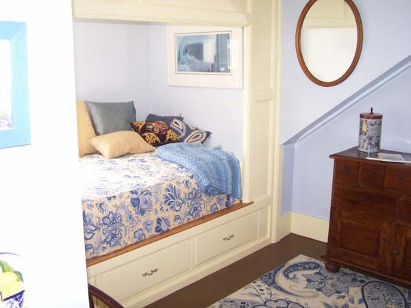 Storage solutions - Custom built-in beds